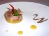 """Assaggi di appetizer di pesce """"povero"""": tartare di Maccarello con fichi freschi ed erbe speziate"""