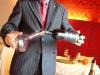 Assaggi di vino: decantazione di Ladone Feudi della Medusa