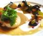Assaggi di Teatro: Coda di rospo (rana pescatrice), champignons, alghe nori, funghetti neri della morte, gelatine di zenzero e uva tardiva