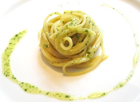 Galateo come mangiare gli spaghetti for Marchi di pasta da non mangiare